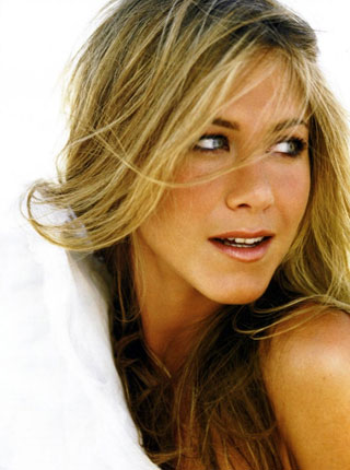 lola vie, jennifer aniston