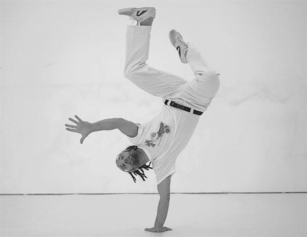 Trenutak pokreta - Page 5 Capoeira_sehic_cijela1