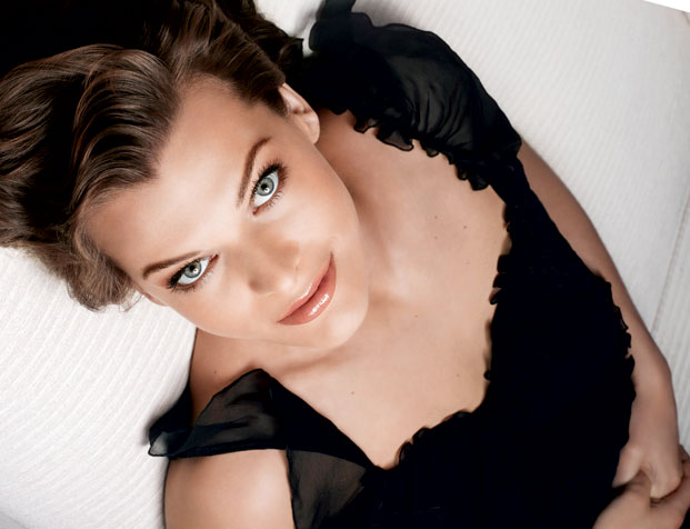 mila jovovich, l'real infallible