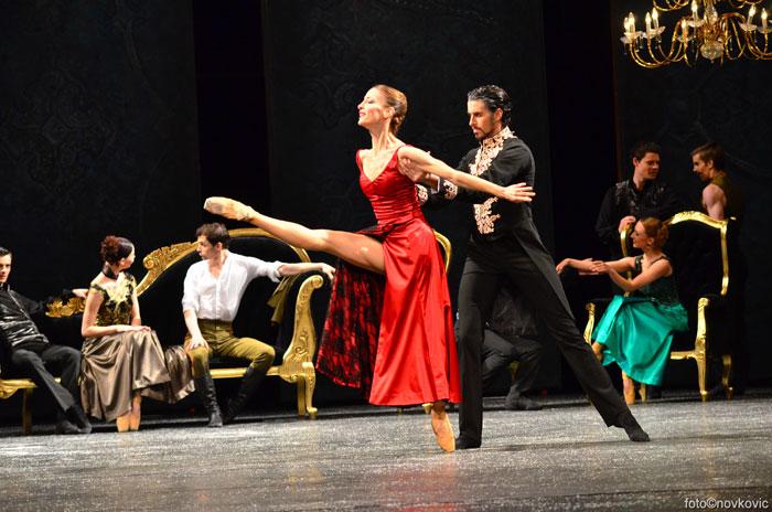 Balet suknja Uniforma Profesionalna Plata Tutu Crna Bijela Crvena.